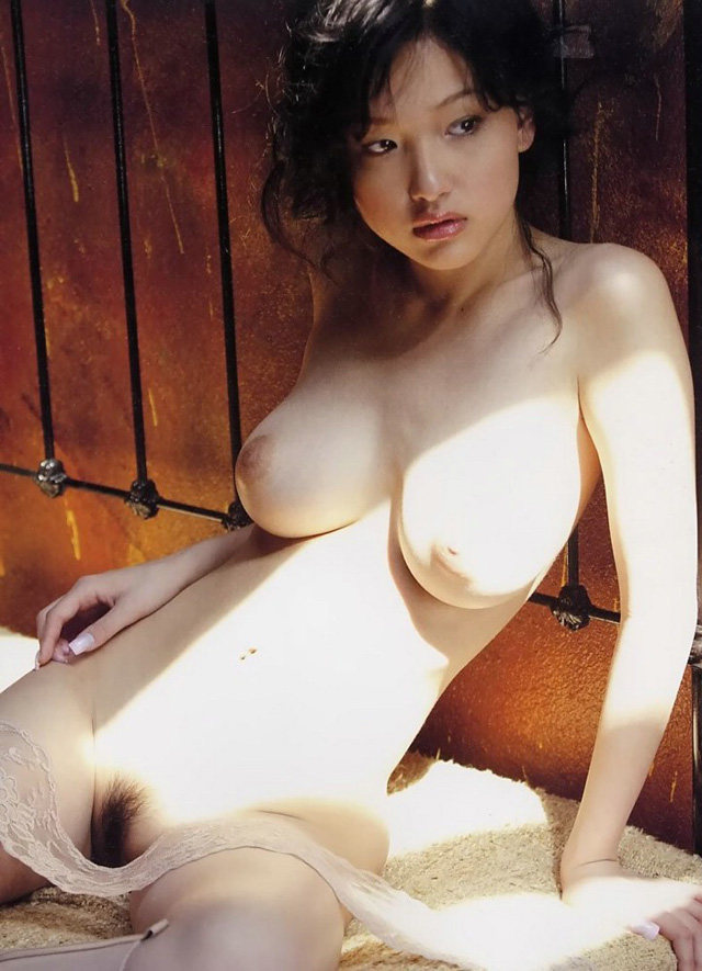 Reon Kadena nude, El blog del deseo