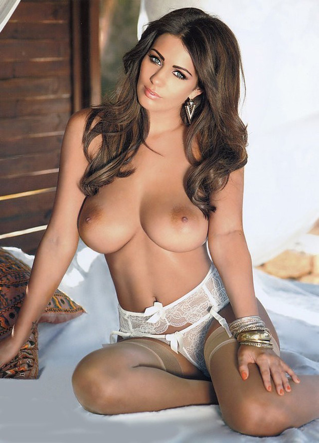 Holly Peers, Top Tetonas Britanicas