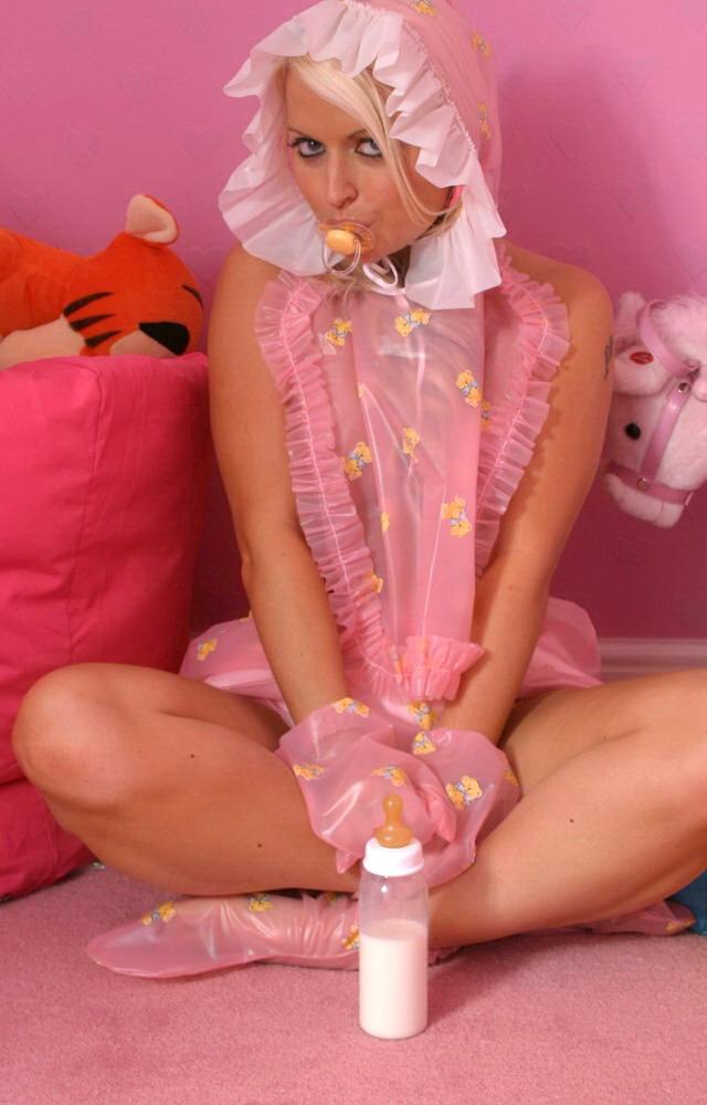 La preciosa Rachel en pañales, el blog del deseo