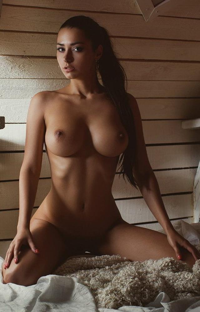 Helga Lovekaty, modelos pechos naturales, el blog del deseo